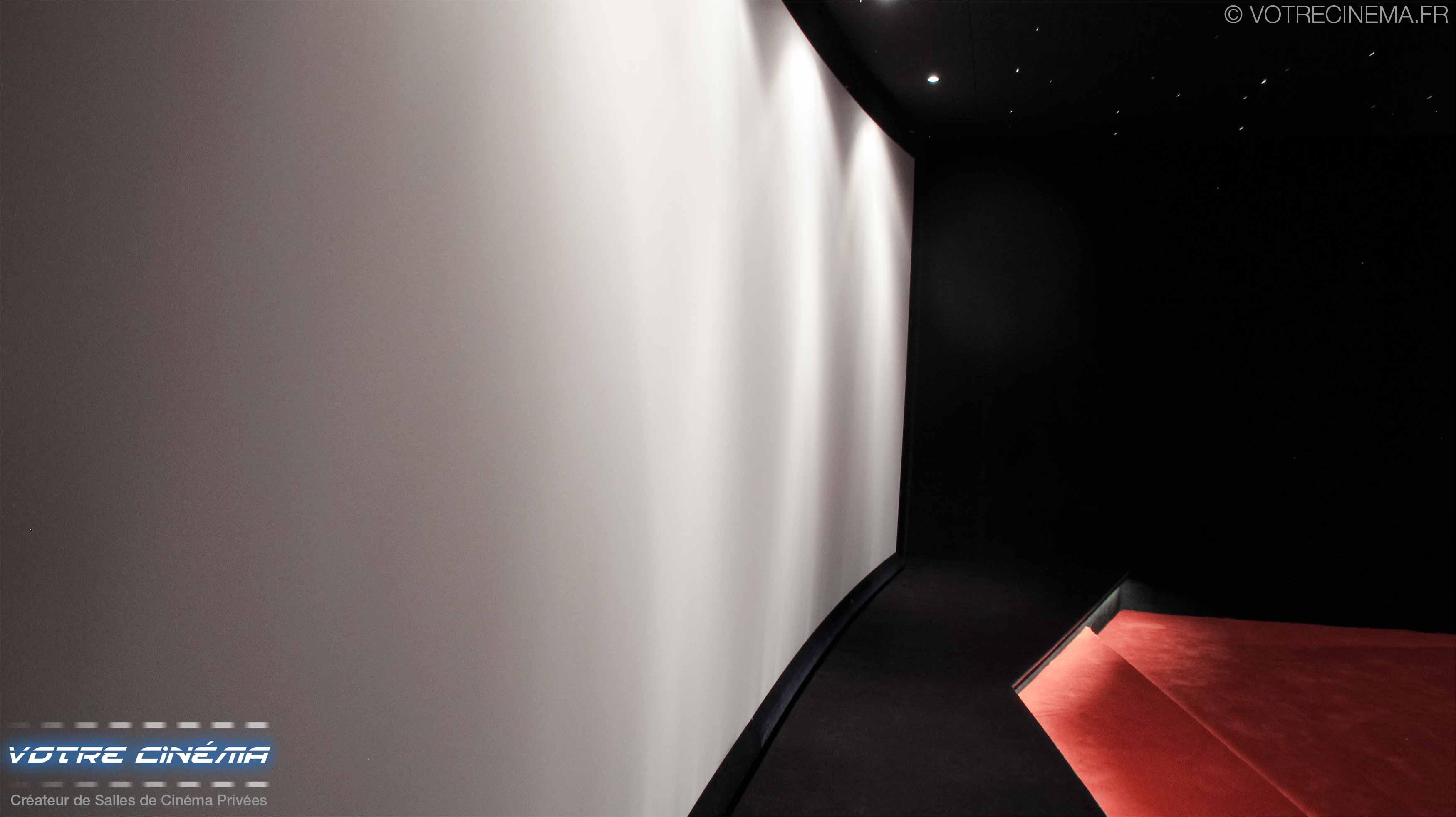 Ecran toile 4K salle cinéma privée Burkina Faso